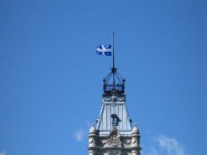 Drapeau du Quebec en berne