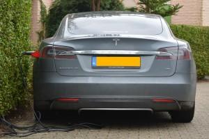 Tesla_voiture_electrique