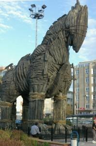 Cheval de Troie_dans la ville