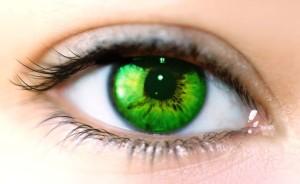Oeil feminin vert