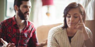 https://image.freepik.com/free-photo/couple-arguing-each-other-living-room_107420-12068.jpg