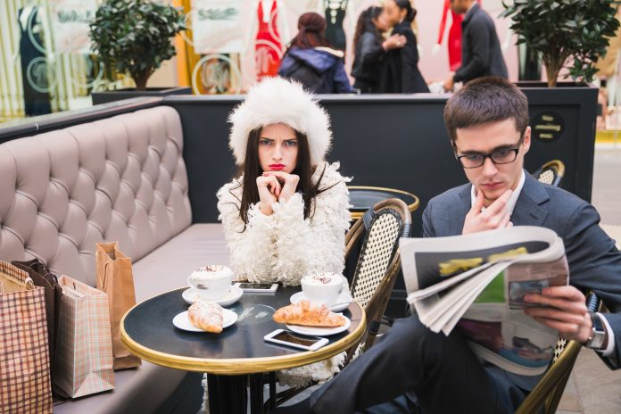 https://image.shutterstock.com/image-photo/young-couple-cafe-man-ignoring-600w-532095109.jpg