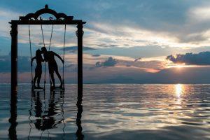https://c.pxhere.com/photos/9b/bf/clouds_couple_kiss_kissing_love_lovers_ocean_romance-936891.jpg!d