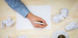 https://image.freepik.com/photos-gratuite/mains-dirigeant-entreprise-ecrire-du-papier-blanc_1170-858.jpg