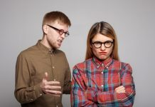 https://image.freepik.com/photos-gratuite/vous-couple-europeen-ayant-dispute-mec-barbu-lunettes-ovales-essayant-convaincre-sa-petite-amie-tetue-qui-croise-bras-fait-grimace-mecontente-exprimant-son-desaccord_344912-574.jpg