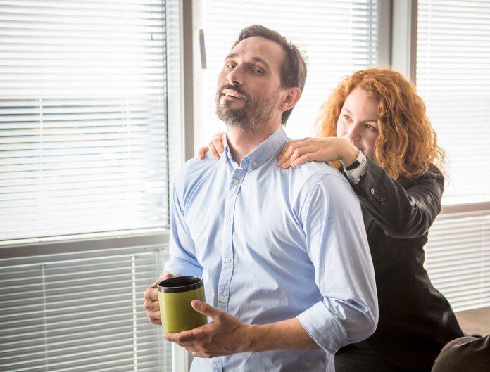 https://image.shutterstock.com/image-photo/businesswoman-doing-massage-her-colleague-600w-524948497.jpg