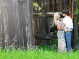 https://get.pxhere.com/photo/man-girl-woman-lawn-flower-summer-male-female-love-portrait-young-backyard-couple-romance-romantic-garden-lifestyle-ceremony-happy-happiness-relationship-lovers-valentine-woodland-love-couple-loving-couple-695221.jpg