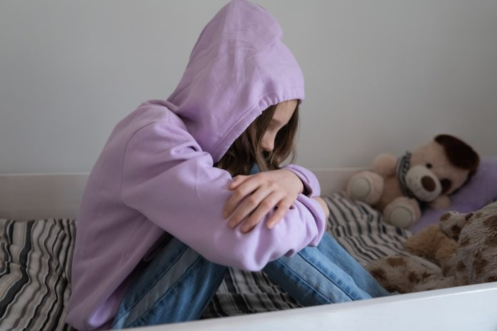 https://image.shutterstock.com/image-photo/sad-lonely-teenage-girl-sit-600w-1836274000.jpg